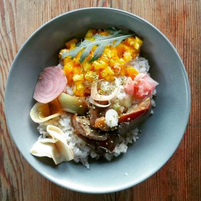 riz vinaigré aux mangues et aubergines