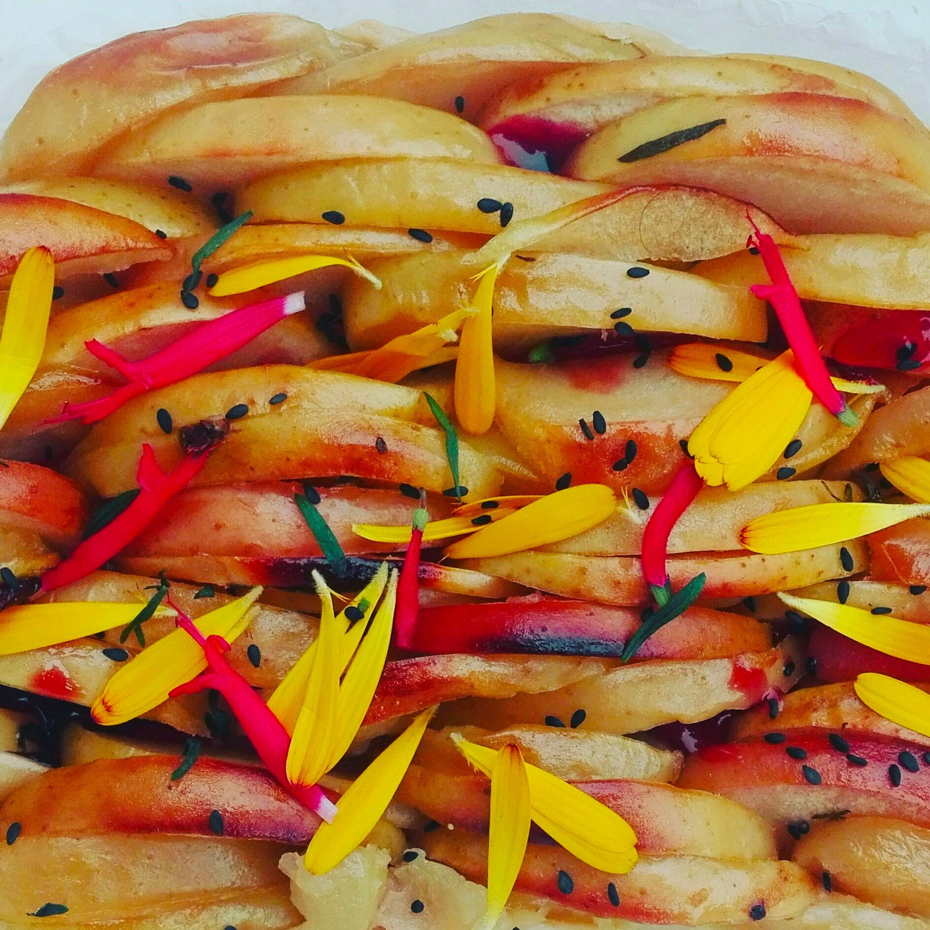 tarte aux pommes aux fleurs de sauge ananas, souci