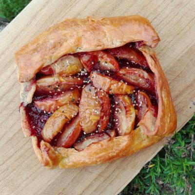 tarte aux pommes flambées - marmelade de prunes